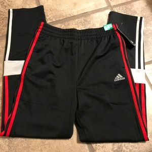ADIDAS KIDS/YOUTH ACTIVE PANTS - SIZE XL (18/20)